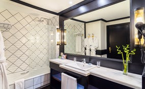 Superior Room Bathroom